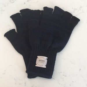 Upstate Stock Men's Fingerless Gloves